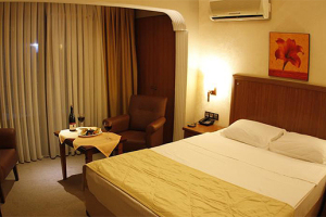 Konfor, Kalite ve Manzarayı Sizin İçin Buluşturduk! Sahil Butik Hotel'de 2 Kişi 1 Gece Konaklama Seçenekleri