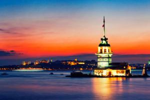 Kız Kulesi'nde Denizin Ortasında 2 Kişilik Özel Kuledebar Aperatif Bar Menüsü