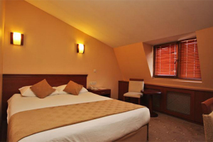 Golden Rest Hotel'in Ev Konforunu Bulacağınız Ambiyansında Kahvaltı Dahil Çift Kişilik Konaklama