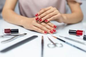 Nişantaşı, Chic Nail Spa & Beauty Lounge' ta Kişiye Özel Setler İle Manikur ve Protez Tırnak Uygulaması