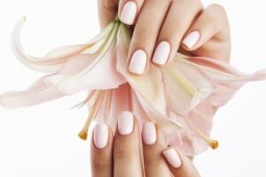 Şişli S Beauty Güzellik Merkezi'nde Protez Tırnak & Manikür & Pedikür ve Kalıcı Oje Uygulaması Seçenekleri