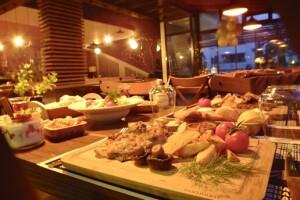 Beylikdüzü The Shaula'da Keman & Canlı Müzik Eşliğinde Tadına Doyulmaz Akşam Yemeği Keyfi