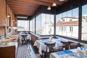 Hotel Pera Parma İstanbul'da Enfes Lezzetlerle Dolu Açık Büfe Kahvaltı Keyfi