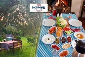 Bademler Köyü Mordeniz Kahvaltı Evi'nde Organik Kahvaltı ve Türk Kahvesi Keyfi