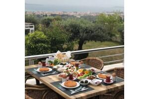 Panoroma Restaurant'tan Lezzet Dolu Serpme Kahvaltı Keyfi