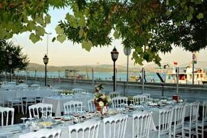 Sarıyer Riva Restaurant'ta Denize Nazır Serpme veya Açık Büfe Köy Kahvaltısı