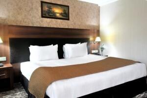 Rhiss Hotel Bostancı'da Tek veya Çift Kişilik Kahvaltı Dahil Konaklama