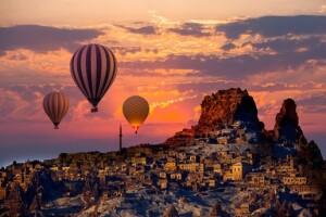 30 Ağustos'ta da Geçerli 4* & 5* Otel Konaklamalı 3 Günlük Kapadokya & Hacı Bektaşı-i Veli Türbesi Turu