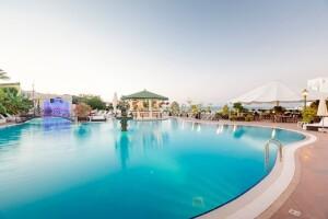 5 Yıldızlı Girne Rocks Hotel'de Uçak Dahil Yarım Pansiyon Tatil Paketleri