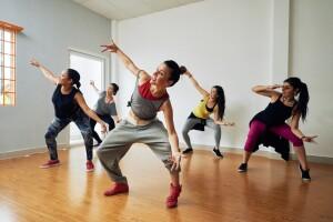 Akademi Pera Dans Stüdyo'dan 1 Aylık Salsa, Bachata, Hip-Hop Kursu