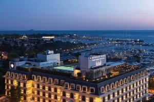 İstanbul'un Lüksü Wyndham Grand Istanbul Kalamış Marina Hotel'de Çift Kişilik Konaklama Seçenekleri