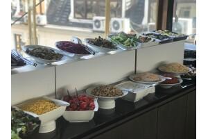 Teras 212'de Açık Büfe Öğle Yemeği (Hafta İçi Her Gün)