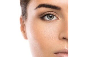 Etiler Es Kuaför'den Kaş Kontür, Kalıcı Eyeliner ve Dudak Kontürü Uygulamaları (Sınırlı Sayıda)