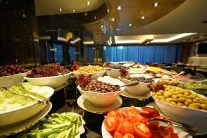 Golden Tulip Bayrampasa Hotel Montana Restaurant'da Serpme Kahvaltı veya Açık Büfe Kahvaltı Keyfi