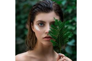 Cansu Güzellik- Nebile Bişgin'den Dermapen + Kırmızı Yosun Parçaları İle Cilt Bakımı Uygulaması
