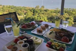 Avcılar Hotel Emirhan Palace Teras Balık Restaurant'ta Denize Nazır İftar Menüsü