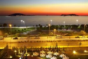 Cevahir Hotel İstanbul Asia'da Canlı Tasavvuf Müziği ve Denize Nazır Adalar Manzarası Eşliğinde Enfes Lezzetlerle Dolu Açık Büfe İftar Menüsü