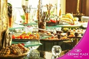 Crowne Plaza İstanbul Asia'nın Şık Ambiyansında Canlı Fasıl Eşliğinde 1, 4 veya 8 Kişilik Açık Büfe İftar Menüsü