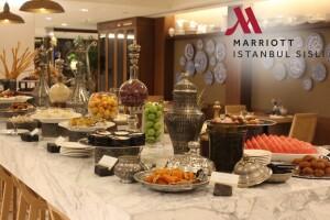 İstanbul Marriott Hotel Şişli The Dish Room Restaurant & Terrace'ta Ramazan-ı Şerif'i Şenlendiren Açık Büfe İftar Menüsü