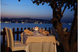 Kanlıca Paysage Restaurant'tan Zengin Lezzetlerle Donatılmış Leziz Kişi Başı İftar Yemeği