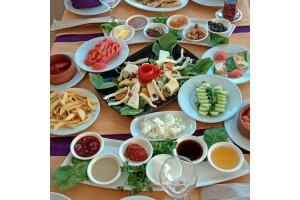 Moda Spor Kulübü'nde Ramazan Bayramı'na Özel Zengin Açık Büfe Kahvaltı