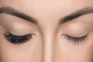A.S Beauty Studio'da Etkili Bakışlara Sahip Olmanızı Sağlayacak İpek Kirpik Uygulaması