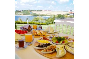VE Hotels Gölbaşı Vilayetler Evi'nde Enfes Açık Büfe & Brunch Kahvaltı Seçenekleri