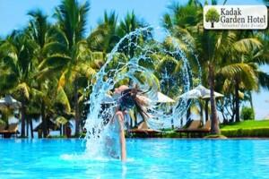 5 Yıldızlı Yenibosna Kadak Garden Hotel'in Yarı Olimpik Açık Havuzunda Yaz Keyfi