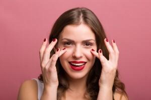 Katanella Güzellik'ten 2 Seans Eye Lift Göz Çevresi Bakımı