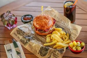 Cvk Hotel Taksim'de Tadına Doyulmaz Hamburger Menüsü