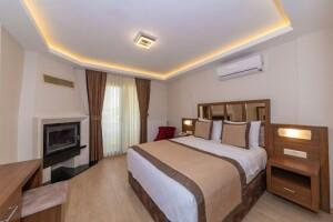 Ağva Palas Hotel'de Jakuzili veya Şömineli Oda Seçenekli Çift Kişilik Kahvaltı Dahil Konaklama Paketleri