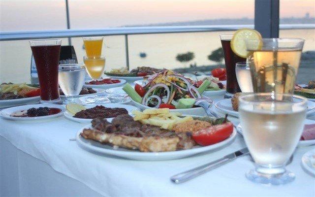 Denize Nazır Florya Alarga Balık Restaurant'tan Manzaraya Nazır Tadına Doyum Olmayan Kişi Başı İftar Menüsü
