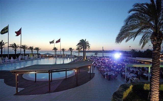 Divan Fenerbahçe Faruk Ilgaz Tesisleri'nde Deniz Manzarası Eşliğinde Ramazan Boyunca Sunulan; Tadına Doyamayacağınız İftar Menüsü