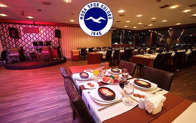 Moda Spor Klübü Restaurant'ta Piyanist Serdar Kürklü ve Gizemcan Sahnesi İle Eğlence Eşliğinde Akşam Yemeği