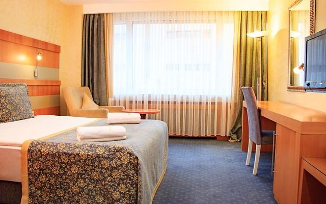 Burçman Hotel'de Kahvaltı ve Islak Alan Kullanımı Dahil Çift Kişilik 1 Gece Konaklama