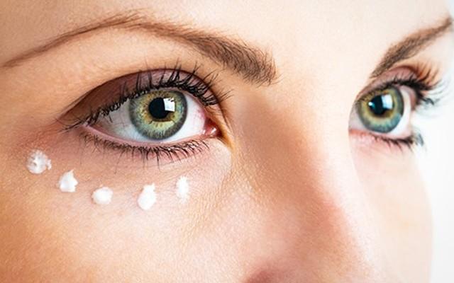 Aliye Dündar Güzellik Salonu'ndan 2 Seans Göz Altı Torba ve Morlukları İçin Göz Damar Terapisi