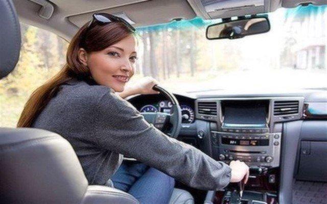 Trafikte Sizi Rahatlatacak ve Güvenli Şekilde Yol Almanızı Sağlayacak Direksiyon Eğitimi