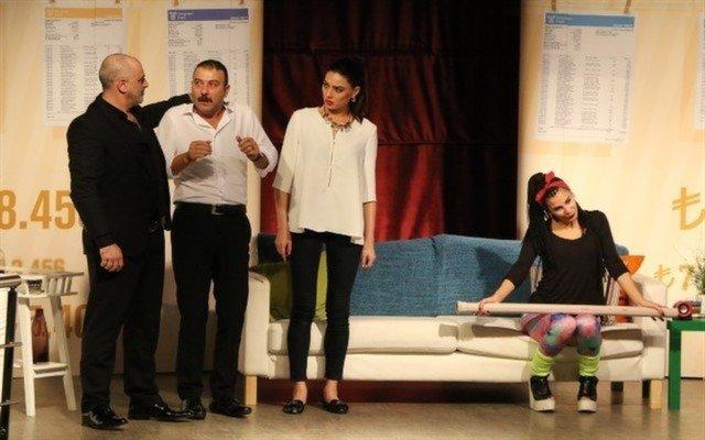 Eğlenceye Doyacağınız 2 Perdeli Komedi Oyunu Yetersiz Bakiye Tiyatro Bileti