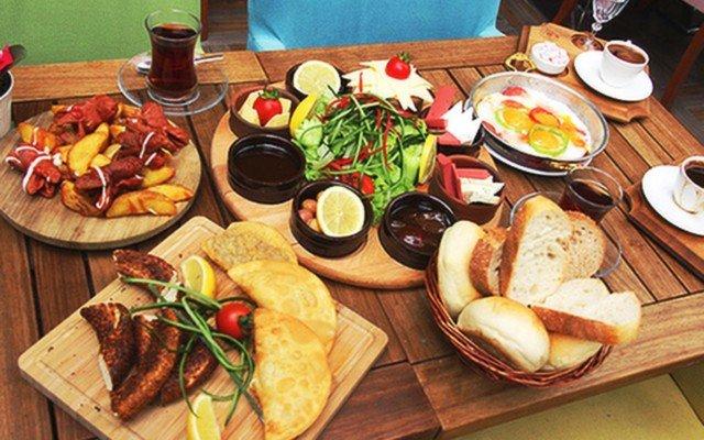 Demetevler Keyfimin Kahvesi'nde 2 Kişilik Enfes Köy Kahvaltısı + Türk Kahvesi İkramı